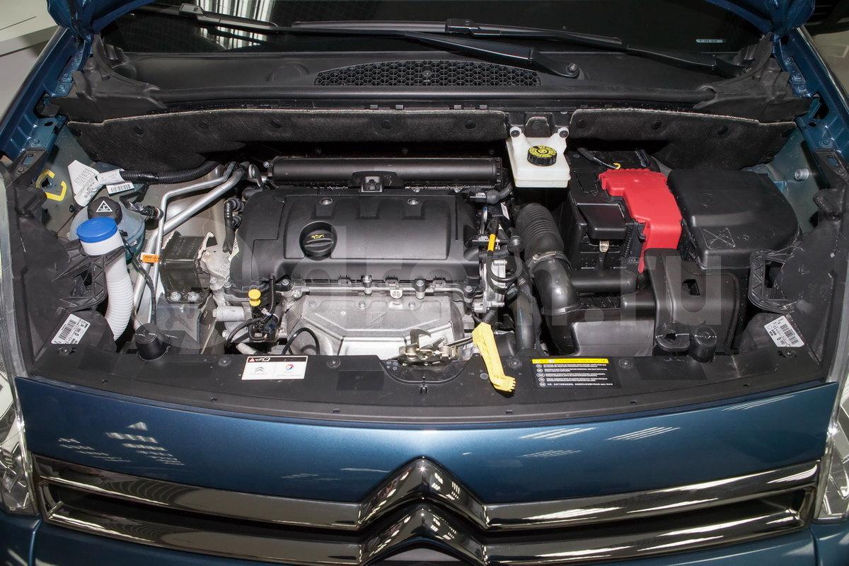 ситроен берлинго фото двигателя пышный