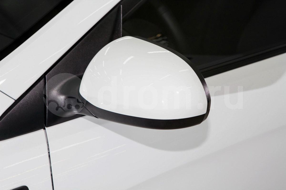 Боковые зеркала с повторителями указателей поворота: нет