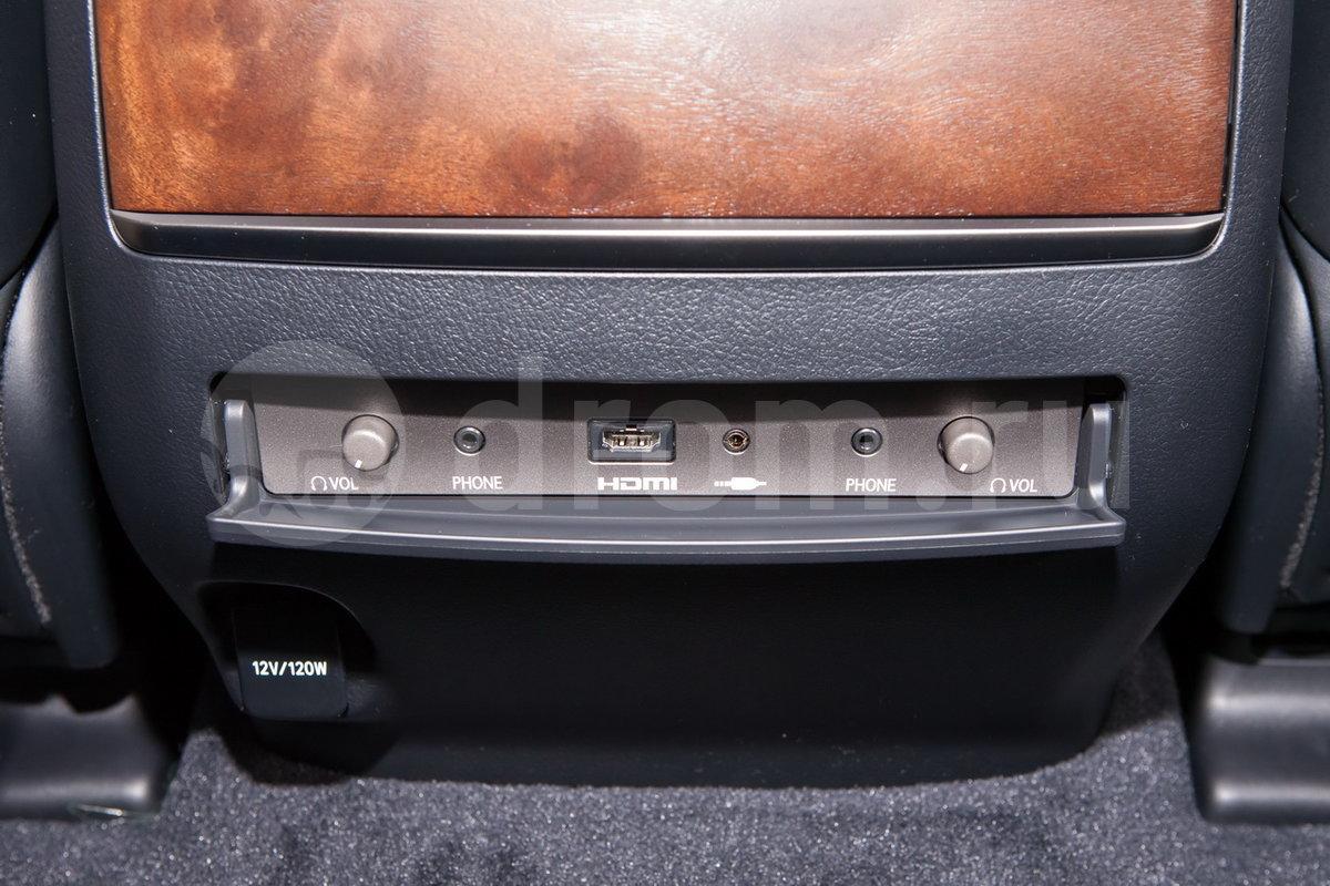 Встроенный монитор для пассажиров: да