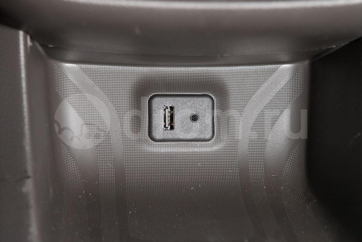 Дополнительное оборудование аудиосистемы:  USB, AUX/IN, 4 динамика, антенна