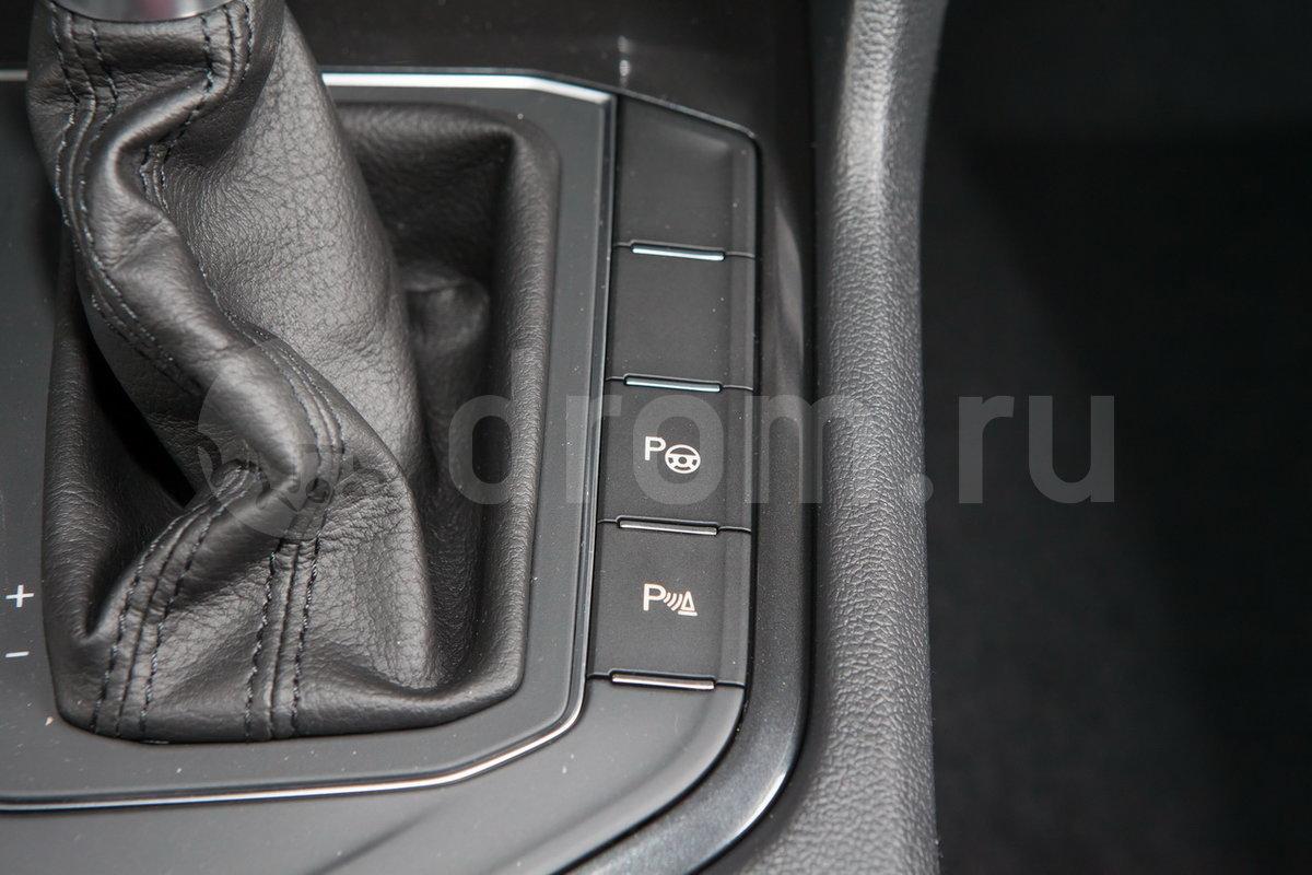 Интеллектуальная система помощи при парковке (IPA): опция