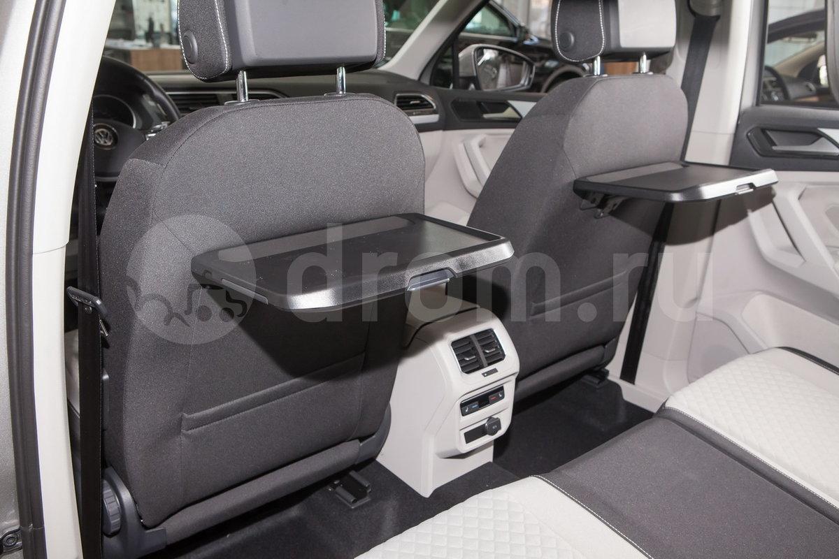 Дополнительно: Хромиромированная отделка элементов экстерьера; Cкладное тягово-сцепное устройство с электроприводом Trailer Assist (опция); Накладки на пороги (опция); Складные столики на спинках передних сидений