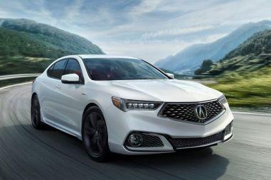 Седан Acura TLX обновили: новая решетка и спортивная комплектация