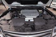 Тип двигателя: V-образный, 8-цилиндровый