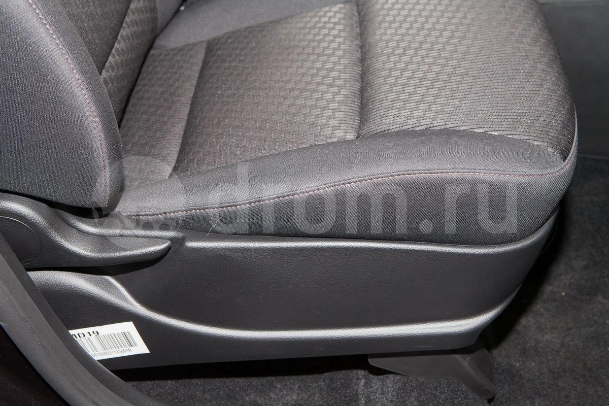 Регулировка передних сидений: Регулировка сиденья водителя по высоте, регулировка поясничного упора сиденья водителя