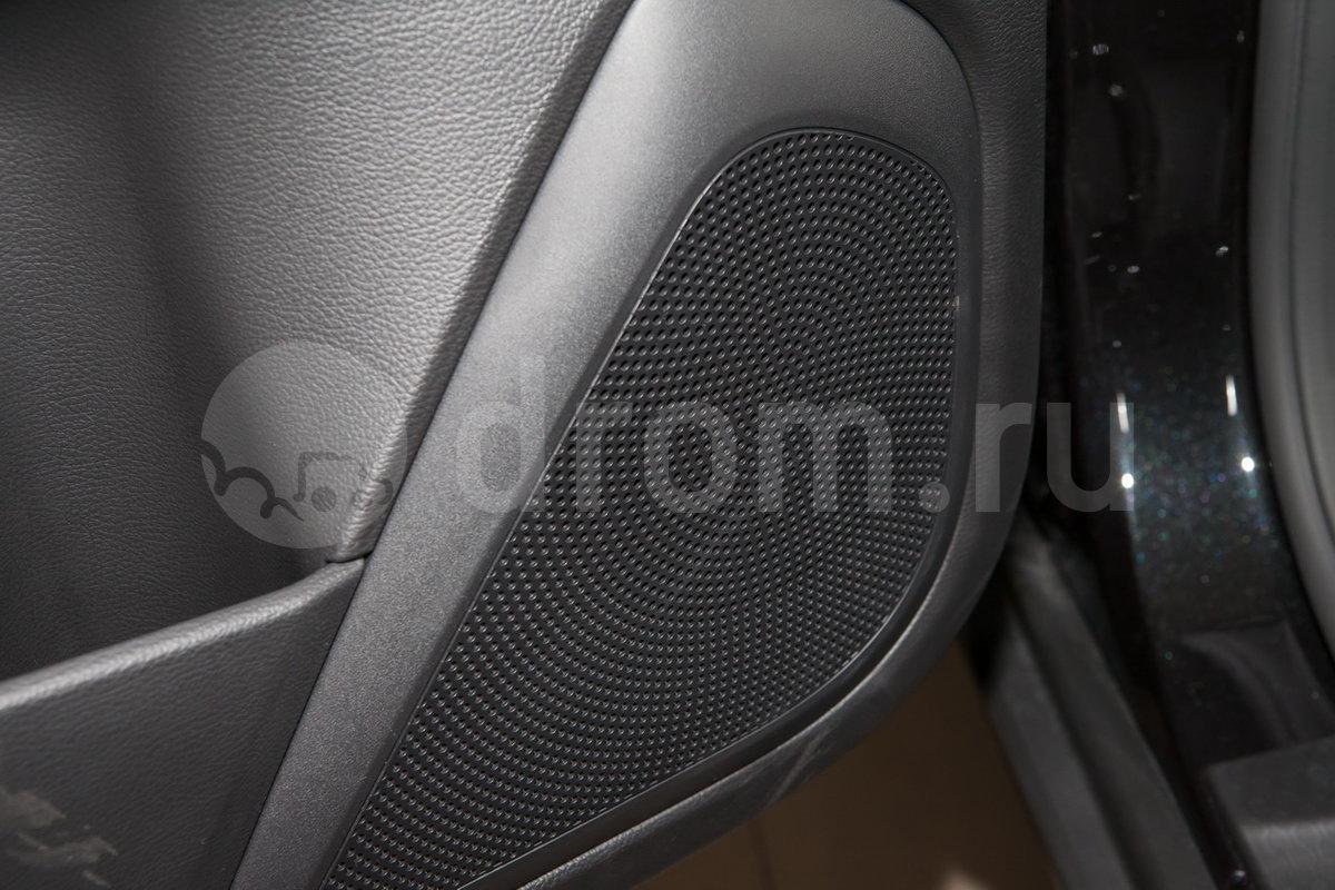 Дополнительное оборудование аудиосистемы: Аудиосистема, 6 динамиков, антенна, USB, HDMI