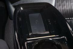 Дополнительно: Дополнительный электрический отопитель салона;<br /> Беспроводное зарядное устройство