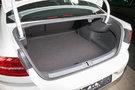 Вместимость багажника, л: 586