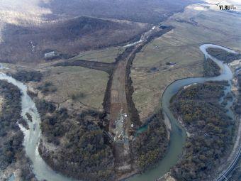 Активные дорожно-строительные работы идут в районе Шкотово и Царевки.