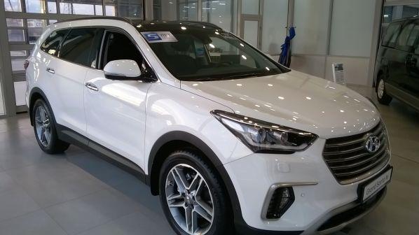 Hyundai Grand Santa Fe 2017 - отзыв владельца
