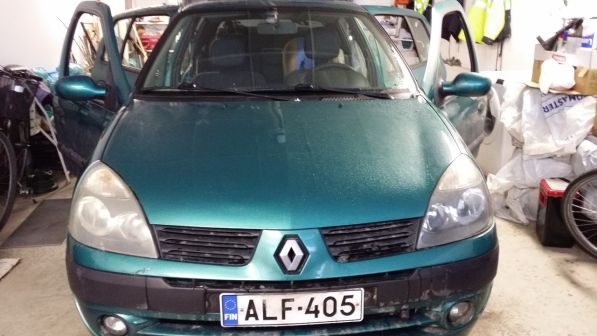 Renault Clio 2004 - отзыв владельца