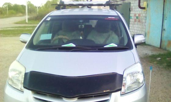 Toyota Passo Sette 2008 - отзыв владельца