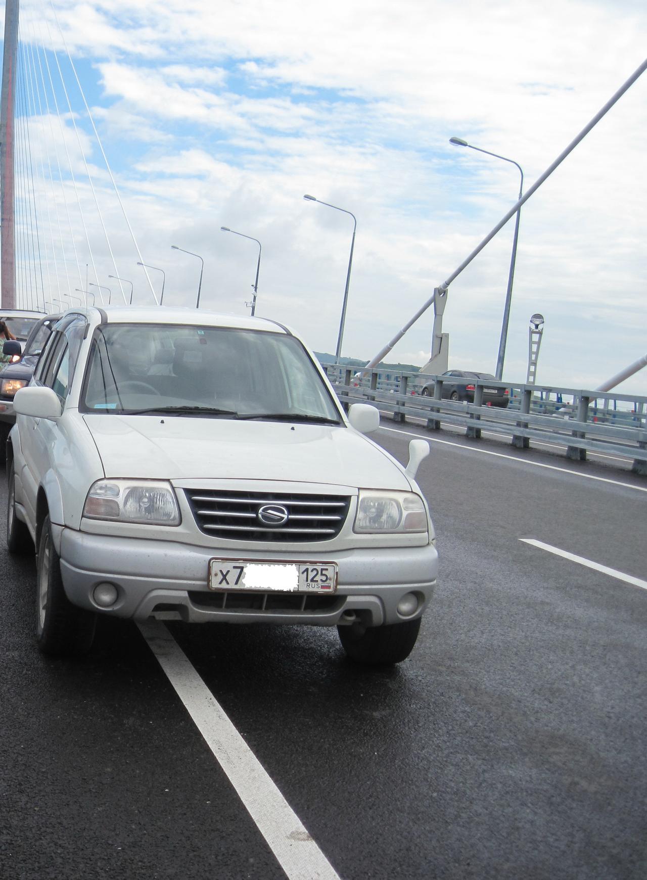 на мосту на о. Русский (первые дни после открытия), 08.2012