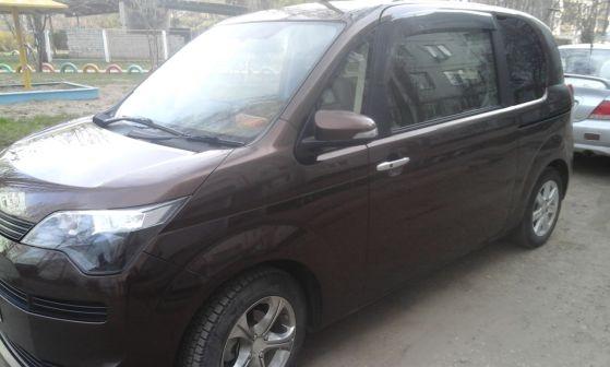 Toyota Spade 2012 - отзыв владельца