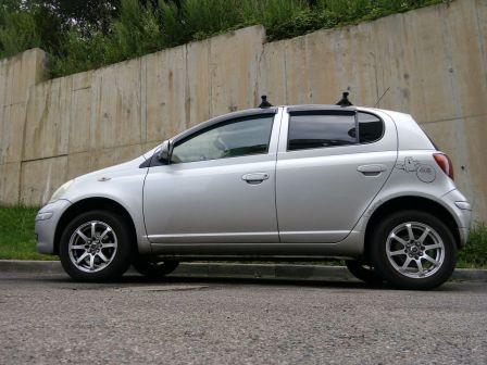 Toyota Yaris 2003 - отзыв владельца