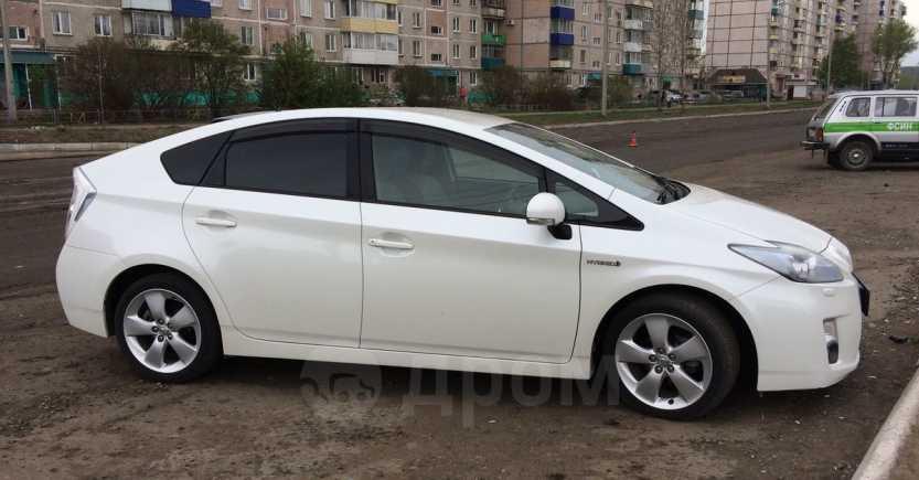 Toyota Prius, 2011 год, 655 000 руб.