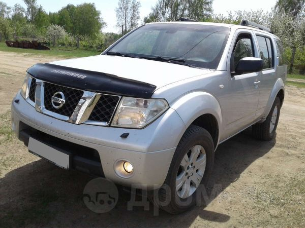 Nissan Pathfinder, 2004 год, 680 000 руб.