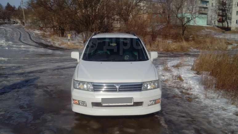 Mitsubishi Chariot Grandis, 2000 год, 220 000 руб.