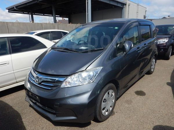 Honda Freed, 2012 год, 585 000 руб.