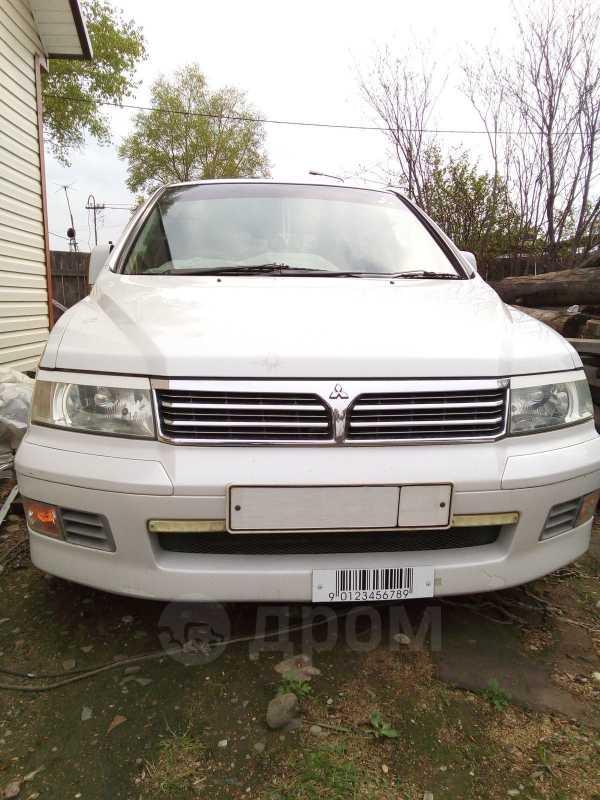 Mitsubishi Chariot Grandis, 2001 год, 210 000 руб.
