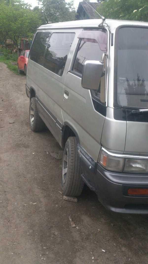 Nissan Urvan, 1995 год, 400 000 руб.