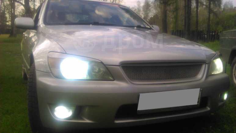 Toyota Altezza, 2002 год, 345 000 руб.