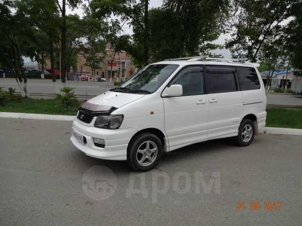 Toyota Town Ace Noah, 2000 год, 445 000 руб.