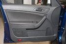 Дополнительное оборудование аудиосистемы: 8 динамиков, AUX