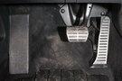Декоративная отделка: Хромированные детали интерьера, накладки для педалей из нержавеющей стали