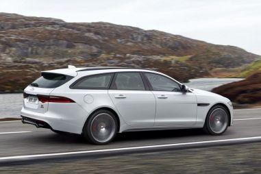 Новый Jaguar XF стал универсалом: есть моторы вплоть до 380 л.с.