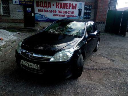 Opel Astra Family 2011 - отзыв владельца