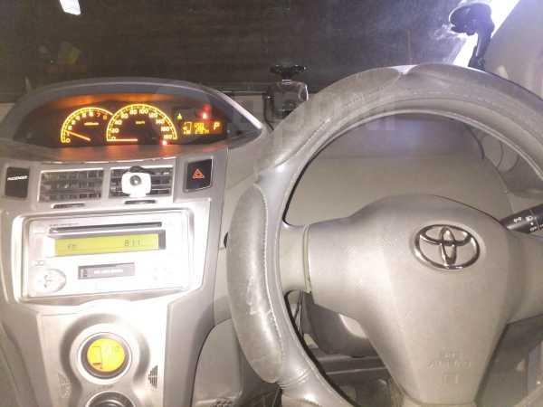 Toyota Vitz, 2009 год, 450 000 руб.