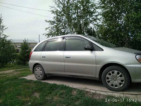 Toyota Nadia, 2000 год, 390 000 руб.