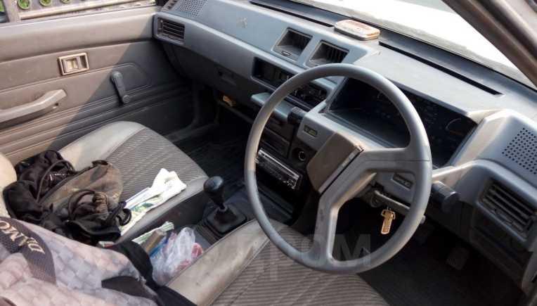 Mitsubishi Lancer, 1988 год, 17 000 руб.
