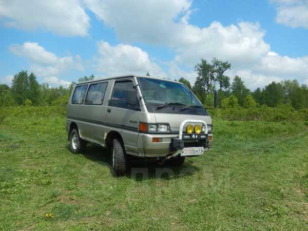 Mitsubishi Delica, 1988 год, 115 000 руб.