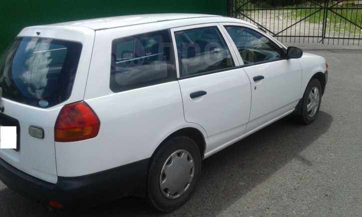 Nissan AD, 2004 год, 195 000 руб.