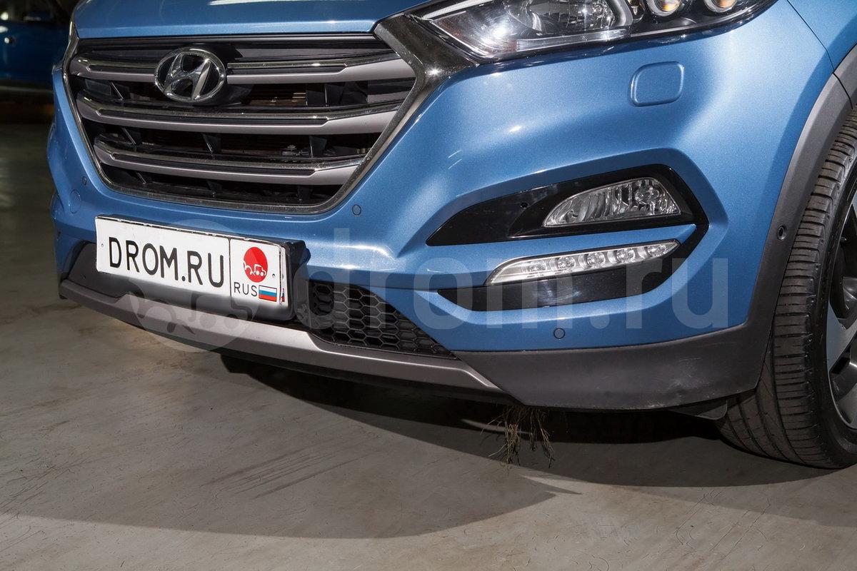 Бамперы: в цвет кузова, хромированная решетка радиатора (стандарт), накладки на передний и задний бамперы (опция)