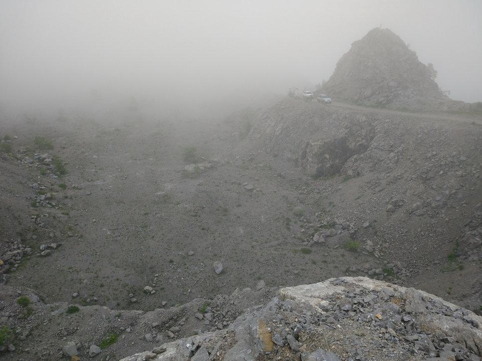 Вершина горы Брат. Забраться сюда на Королле не получится. Патриот же обеспечивает комфортный и быстрый подъем