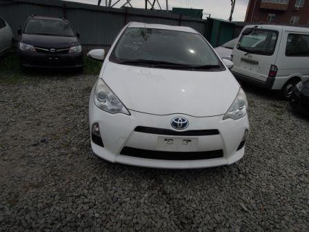 Toyota Aqua 2012 - отзыв владельца