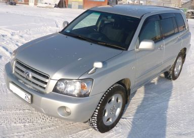 Toyota Kluger V, 2004