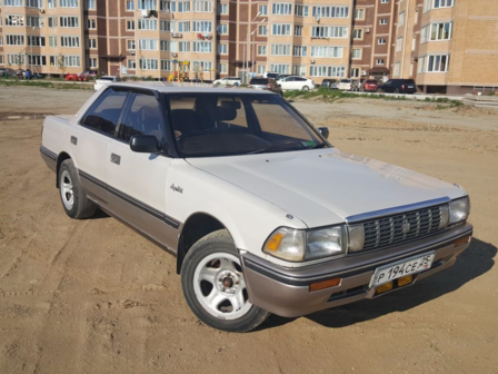 Toyota Crown 1990 - отзыв владельца