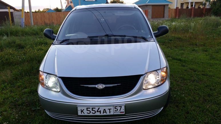 Chrysler Town&Country, 2005 год, 520 000 руб.