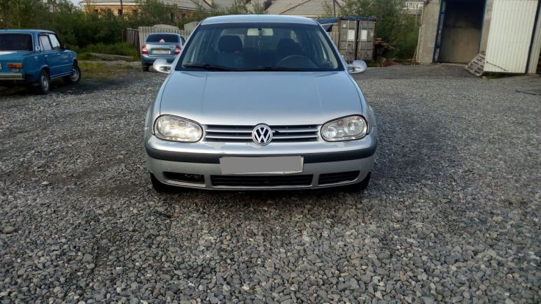 Volkswagen Golf, 2000 год, 145 000 руб.