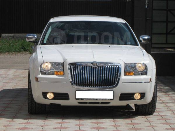 Chrysler 300C, 2010 год, 860 000 руб.