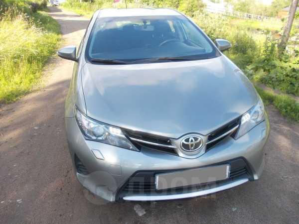 Toyota Auris, 2013 год, 700 000 руб.