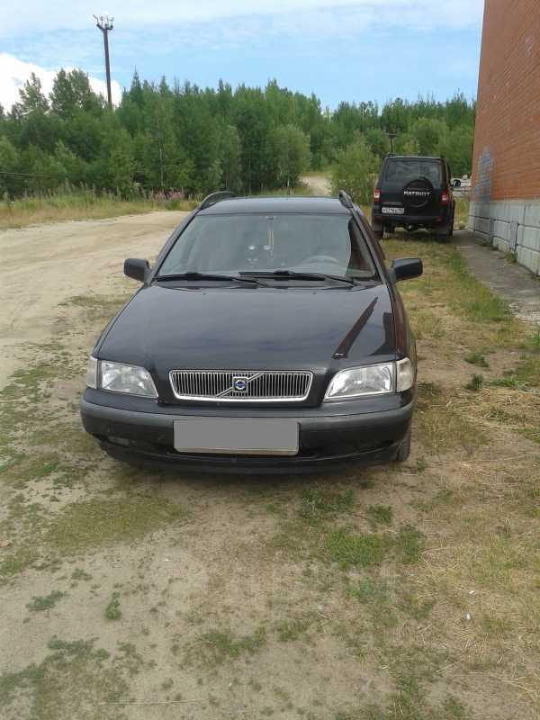 Volvo V40, 1998 год, 320 000 руб.