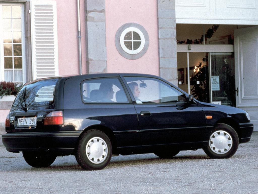 Nissan Sunny 1990 - 1995