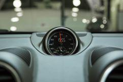 Дополнительное оборудование: пакет Sport Chrono с приложением Porsche Track Precision для измерения времени прохождения кругов и данных движения