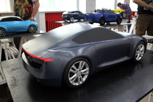Какими видят автомобили будущего российские студенты Обзор  Микроавтобус с автопилотом проект Марины Утямишевой