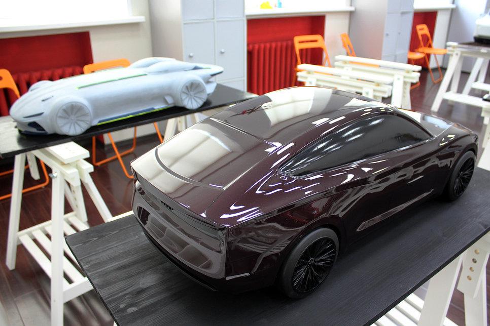 Какими видят автомобили будущего российские студенты Обзор  Минипогрузчик проект Дмитрия Новохатского